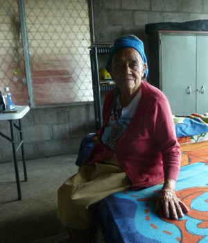 Elderly Salvadoran couple teaches about the joy of sharing